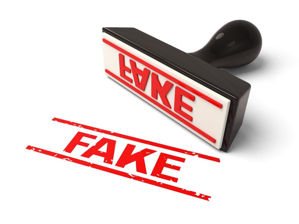 Recenzii false