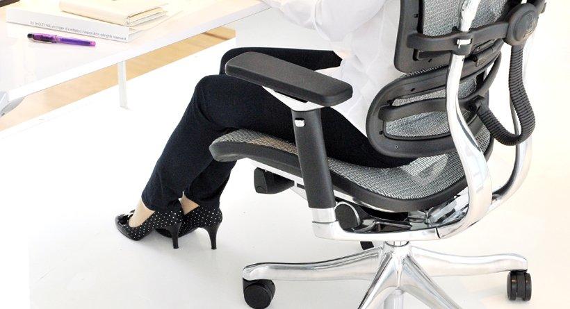 Scaunul de birou și durerile de spate care pot să apară dacă nu-l folosim corect 2