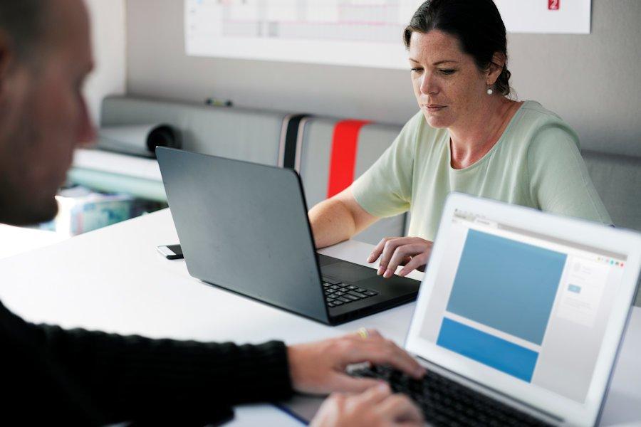 Iată 4 caracteristici pe care ar trebui să le aibă un spațiu de lucru modern 4
