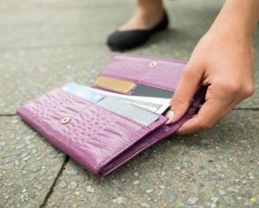 Ce trebuie să faci, sau să nu faci dacă găsești pe jos un portofel 3